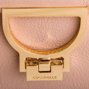 Bolso coccinelle rosa details